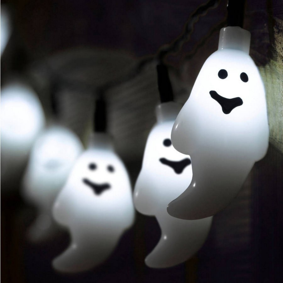 Do you agree that the main fun of the biggest spooky holiday is not only the day of the actual Halloween, but all the process of preparing the decorations for home and yard?
