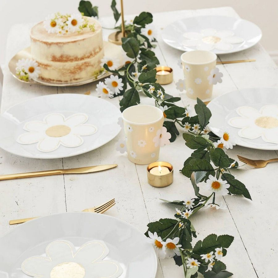 Such a wedding theme as boho allows to go completely bold, so don't hesitate to choose bright flowers and various eye-catching details to rock boho chic.