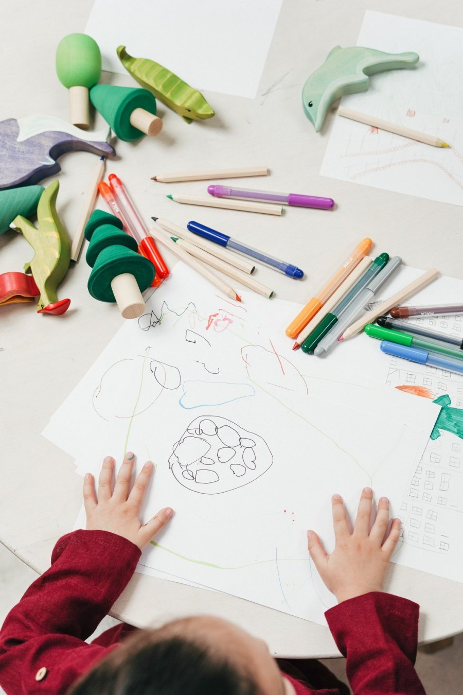 Young children love colouring which is why parents should encourage them to spend their time in this exciting and useful activity.