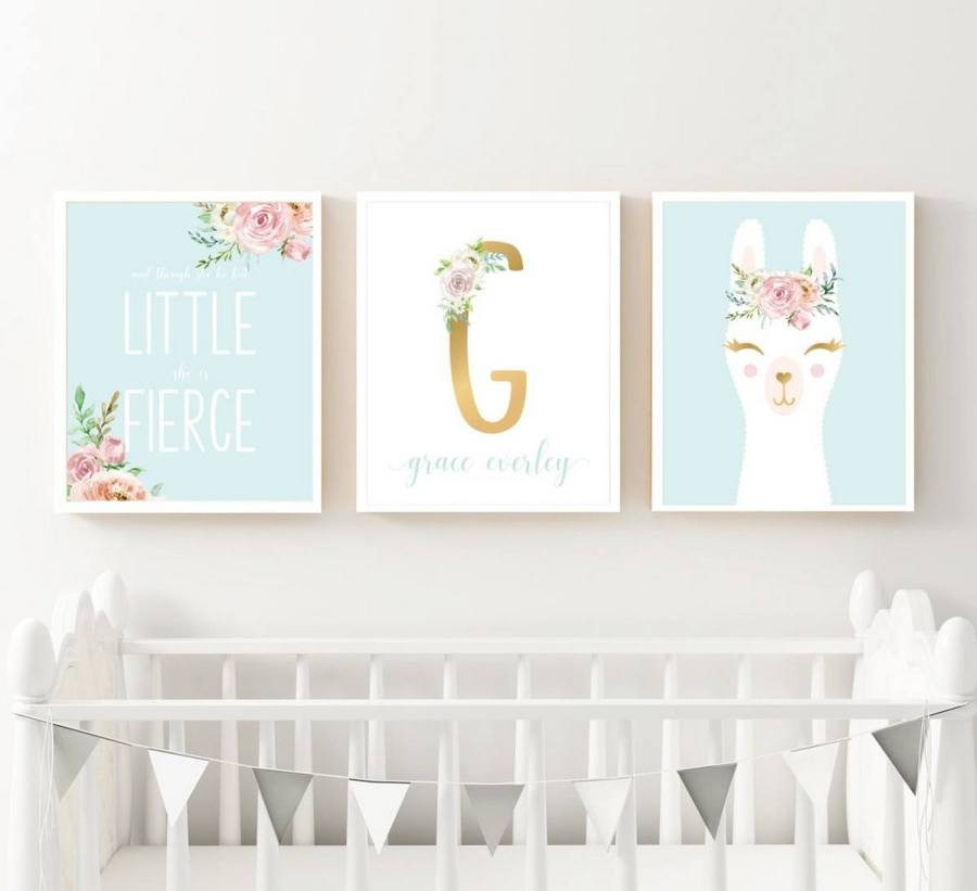 Soft, sweet, and oh-so-adorable… llamas have taken the nursery design world by storm.
