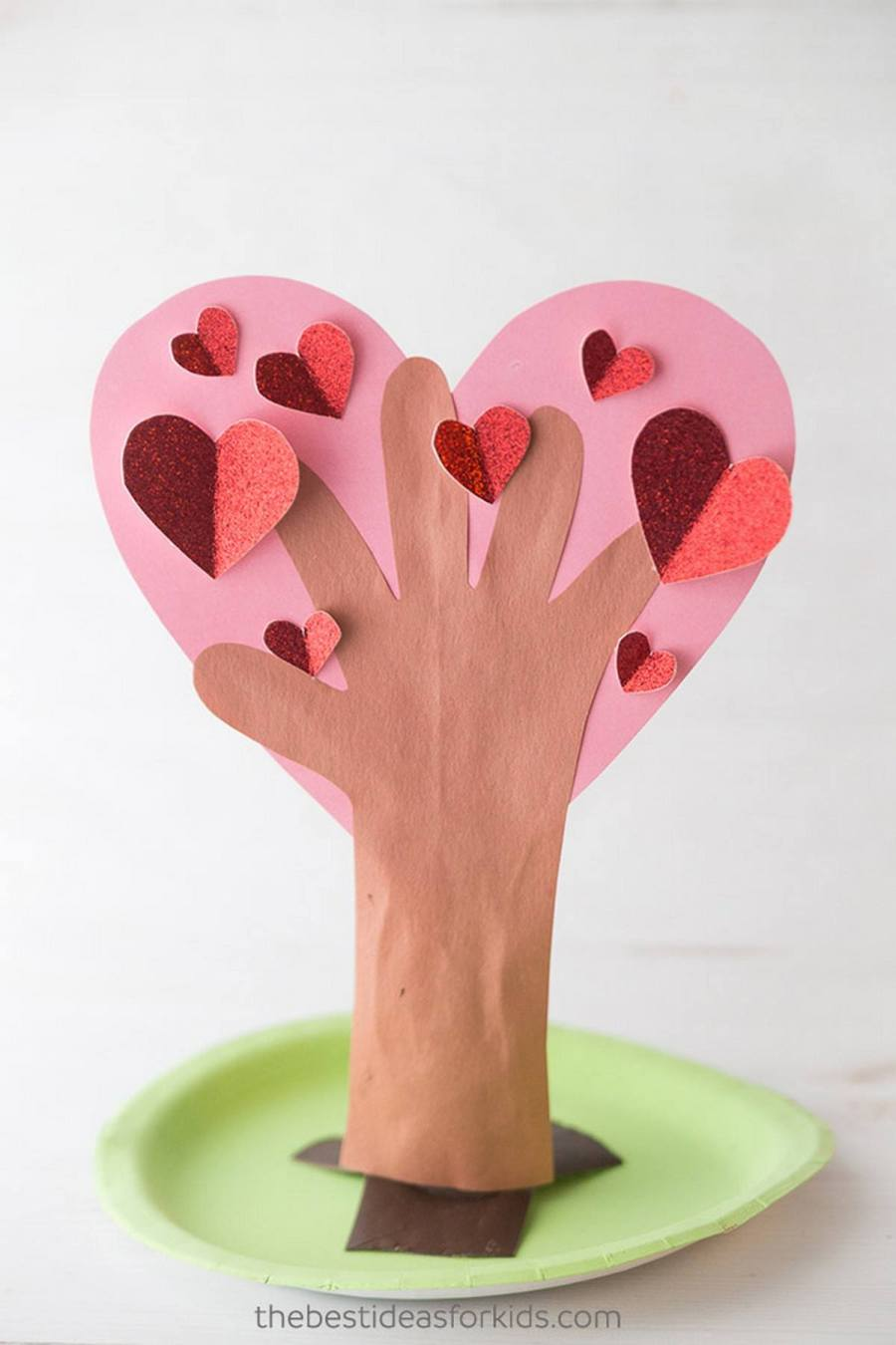 There's nothing sweeter than making handprint art & crafts to preserve your children's little hands forever! Handprint crafts are a wonderful way to memorialize our kids when they are young.