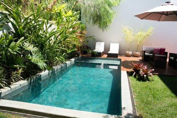 Pequenos espaços não são impedimento para uma piscina