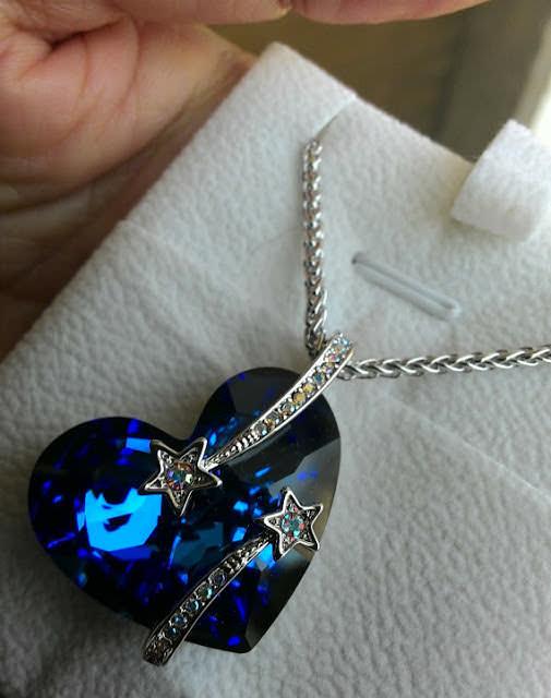 Bijoux vintage, collier con cuore e stelle comete