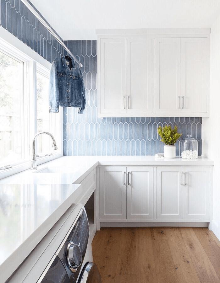 consider when choosing backsplash tile