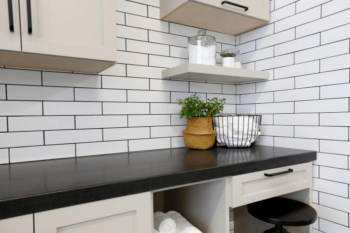 6 Black Countertops to Inspire Your Home Renovation ... on Backsplash:gjexfbx4_Ly= Black Granite Countertops  id=42202