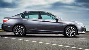 Honda Accord Sport Hybrid 2015 review | CarsGuide