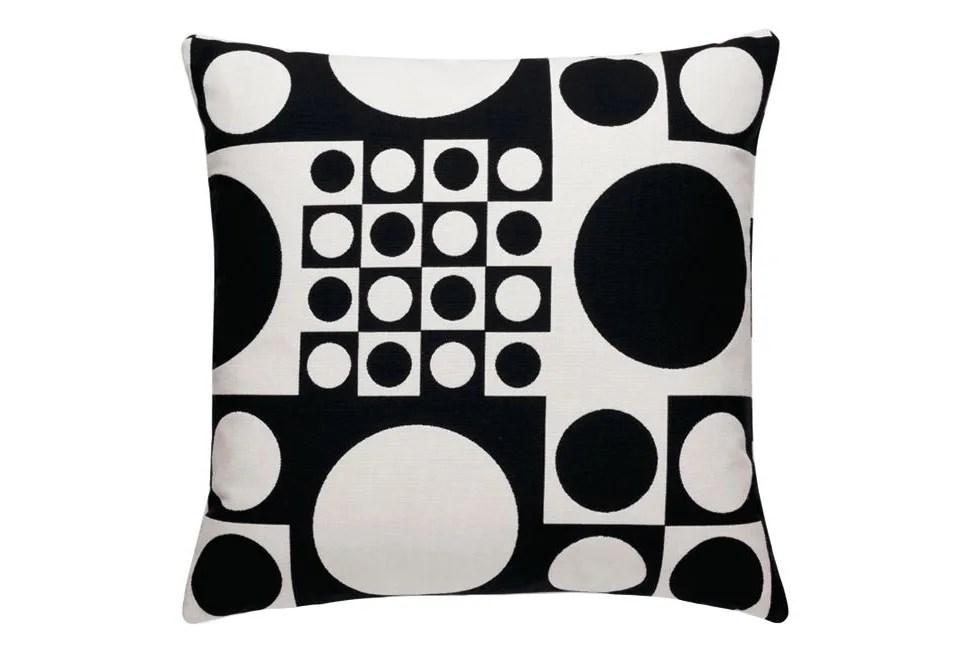 geometri classic maharam pillow by vitra