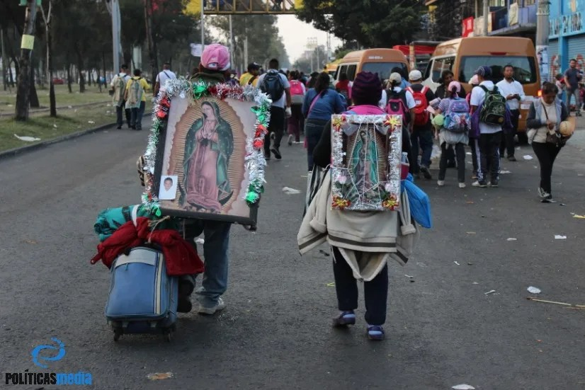 Peregrinos en la Ciudad de México, rumbo a la Basílica de Guadalupe. Tiyako Felipe.