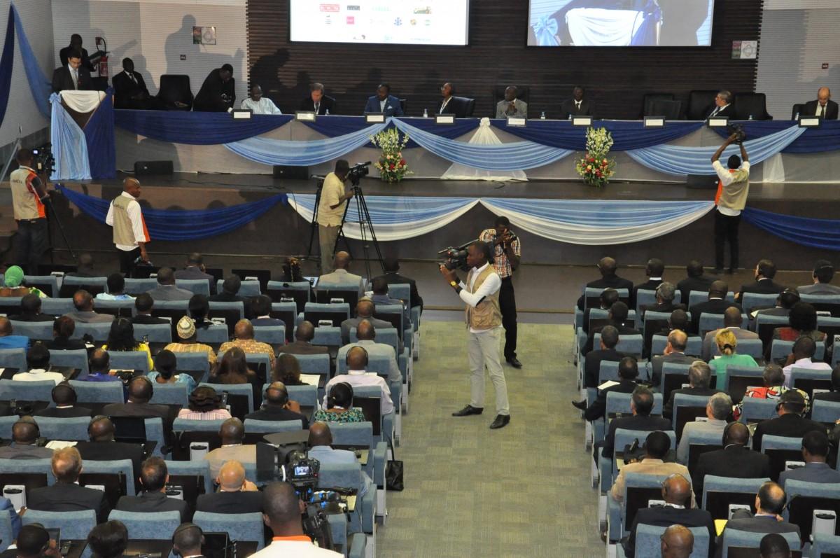 ACI Lomé 2013: TRAVAUX DE GROUPES-CONFÉRENCES-EXPOSITIONS