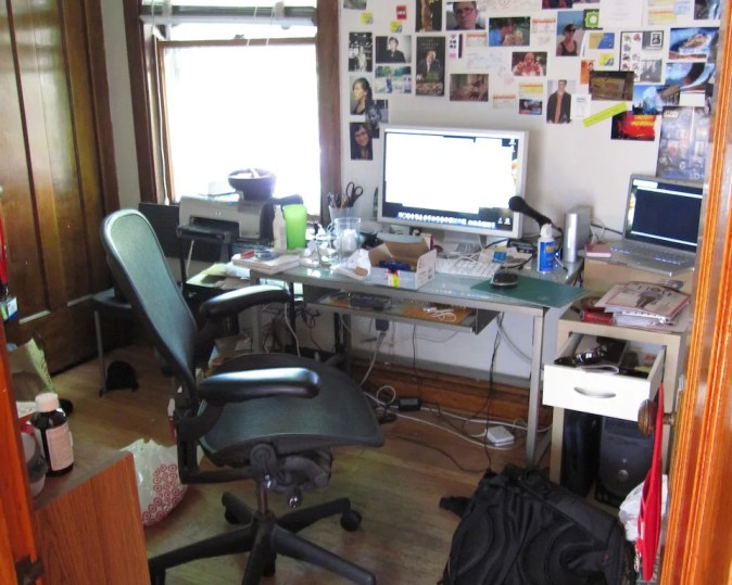 A very messy home office