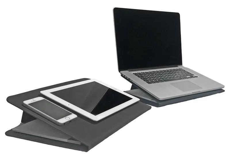 il portadocumenti DUO usato come supporto per laptop, tablet e smartphone