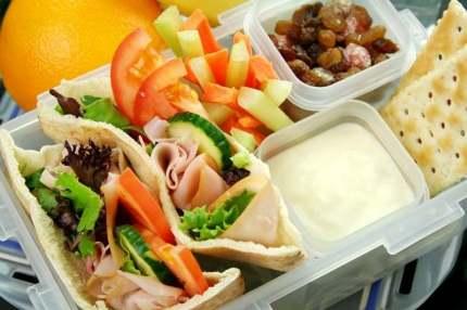Image result for orang sedang makan siang