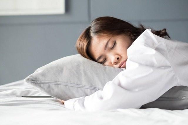 Image result for cewek korea lagi tidur