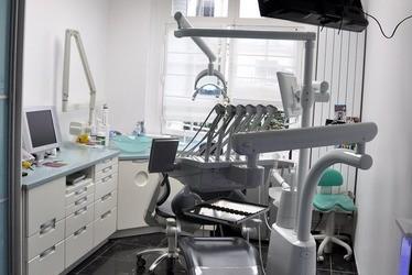 Dr Carole HAGEGE Chirurgien Dentiste Paris Prenez RDV