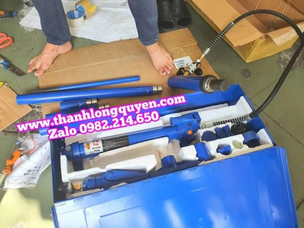 Kích thủy lực kéo nắn khung xe ô tô 10 tấn khớp nối áp lực cao