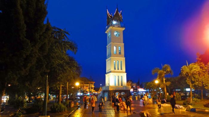 Jam Gadang: Tempat Wisata di Sumatera Barat