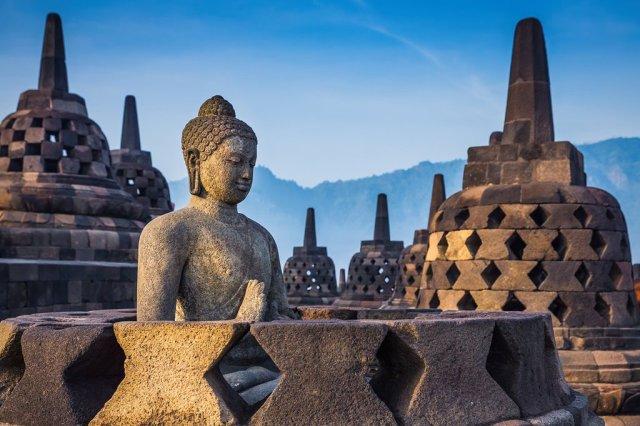 Sejarah dan Cerita-cerita Seputar Candi Brorobudur