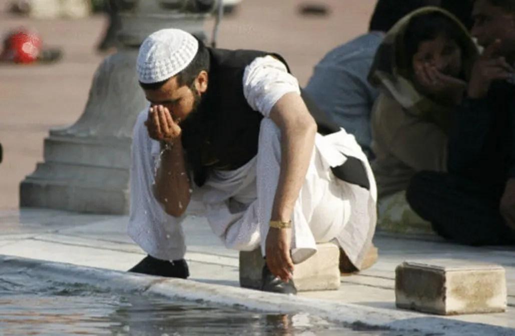 Air untuk Berwudhu Doa Setelah Wudhu, Lengkap dengan Artinya