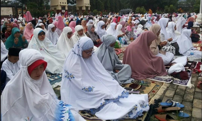 Shalat Idul Adha pada Hari Jumat 1 Berikut Naskah Khutbah Idul Adha 10 Dzulhijjah 1441 Hijriyah, Anak Shaleh Jalan Surga Orang Tua
