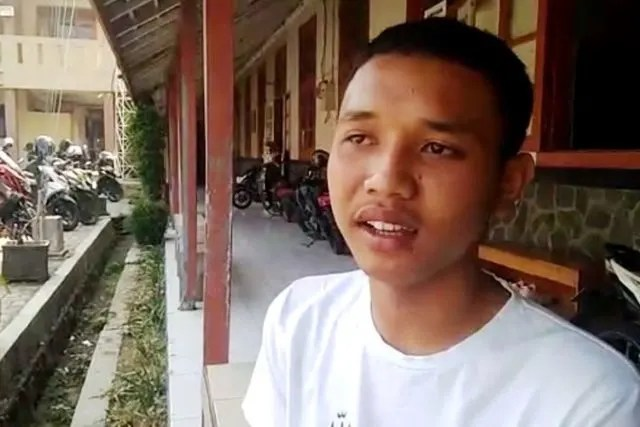 hipwee 5d56c9933c407 640x427 1 Ridwan Suryana, 'Pahlawan' Pada Demonstrasi Mahasiswa Cianjur, Sungguh Mulya Hatimu!