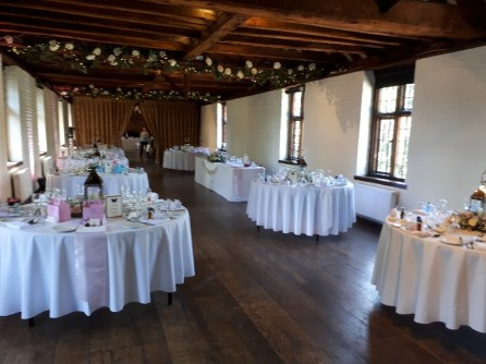 wedding-magic-Tudor-Barn-Eltham-1_rco9ih