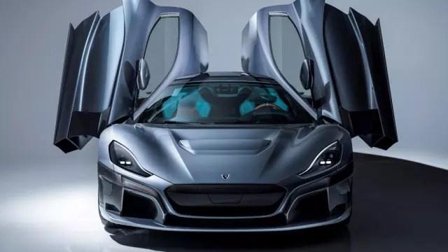 ELEGANT CURVES. Rimac's latest hyper sports car model, C_TWO, is developed on Dassault Systèmes' 3DEXPERIENCE platform.