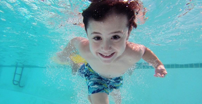 swimming pool kid swimming