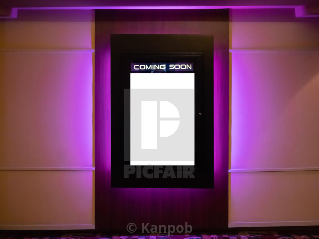 https www picfair com pics 08197617 movie poster light box