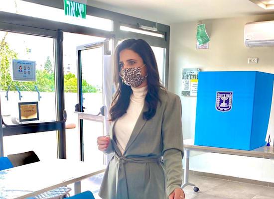 Ayelet Shaked votes / Photo: Spokeswoman to the right