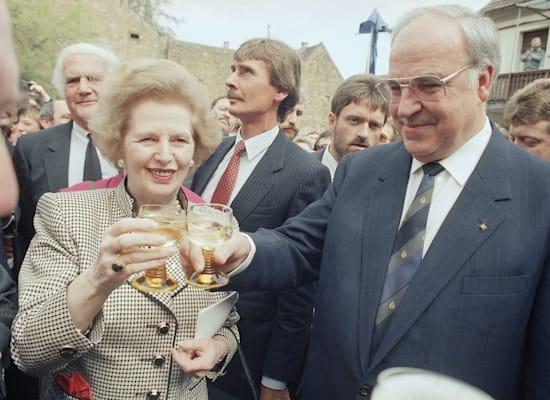 Helmut Kohl and Margaret Thatcher, 1989 / Photo: Associated Press, Udo Weitz