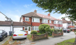 It's important to do the proper research and legwork to make sure you get the best sale. 3 Bedroom Houses For Sale In London Gordon Co Estate Agents