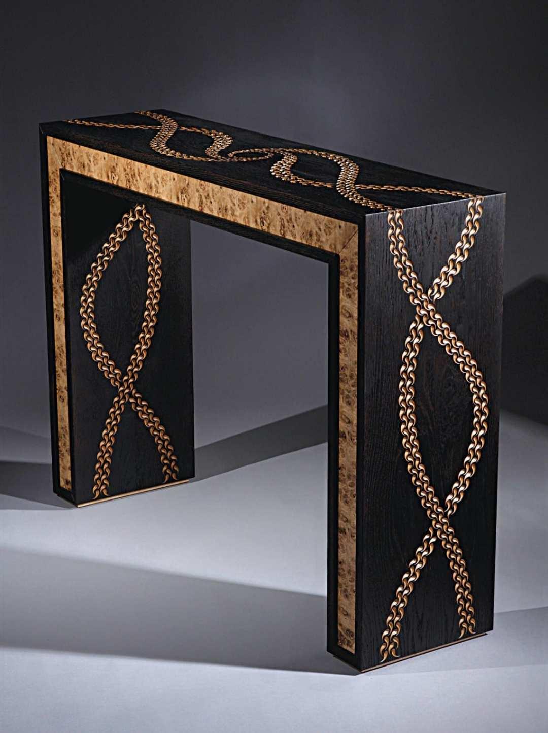 Création meuble bois brûlé avec gravures