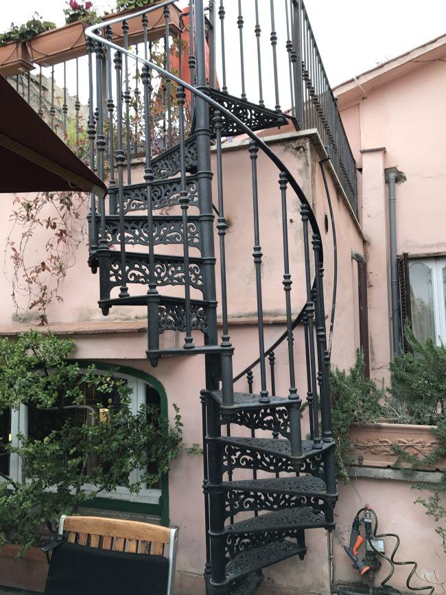 也可以往上頂樓去