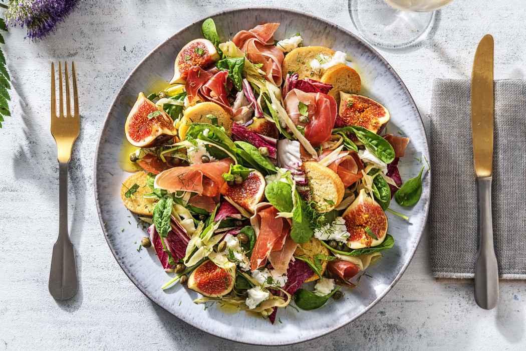 Salade met buffelmozzarella, vijgen en serranoham