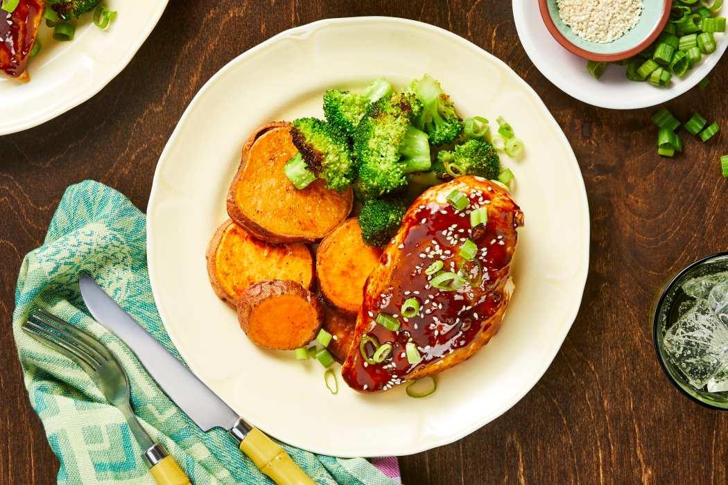 calorie smart-HelloFresh-Sriracha-Chicken