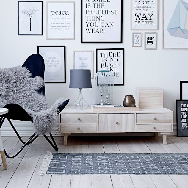 Bloominville Storage Unit : Scandinavian style living room by House Envy