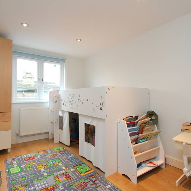 ​l-shaped dormer loft conversion clapham : Modern nursery/kids room by nuspace