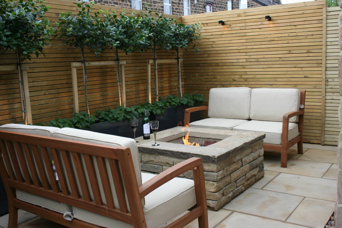 How do I maximise space in a small garden? on Landscape Design Small Area id=56883
