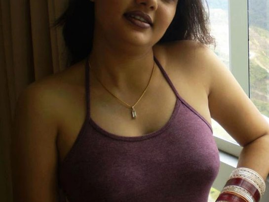 Delhi Escort housewife
