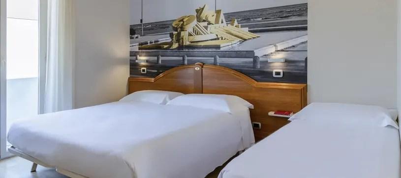 Libero da subito appartamento trilocale in ottimo stato posto al quarto piano s/a molto luminoso, con posto auto. B B Hotel Pescara In Centro A Pescara E Vicino Al Mare