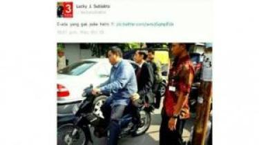 foto jokowi saat membonceng sepeda