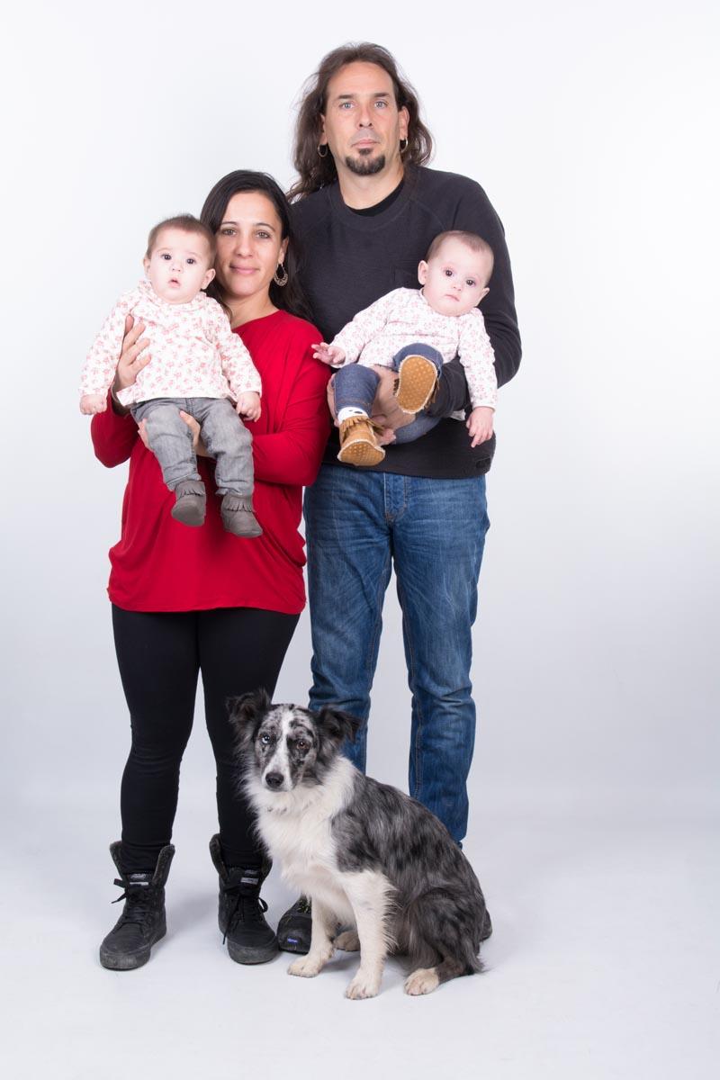 kidsfoto.es Sesión fotográfica bebé con mascota en Zaragoza, fotografía bebé sesiones fotográficas a niños mascotas en zaragoza fotografo de niños fotografia niños zaragoza fotografia documental niños fotografía bebé familia estudio bebé amigo de los animales