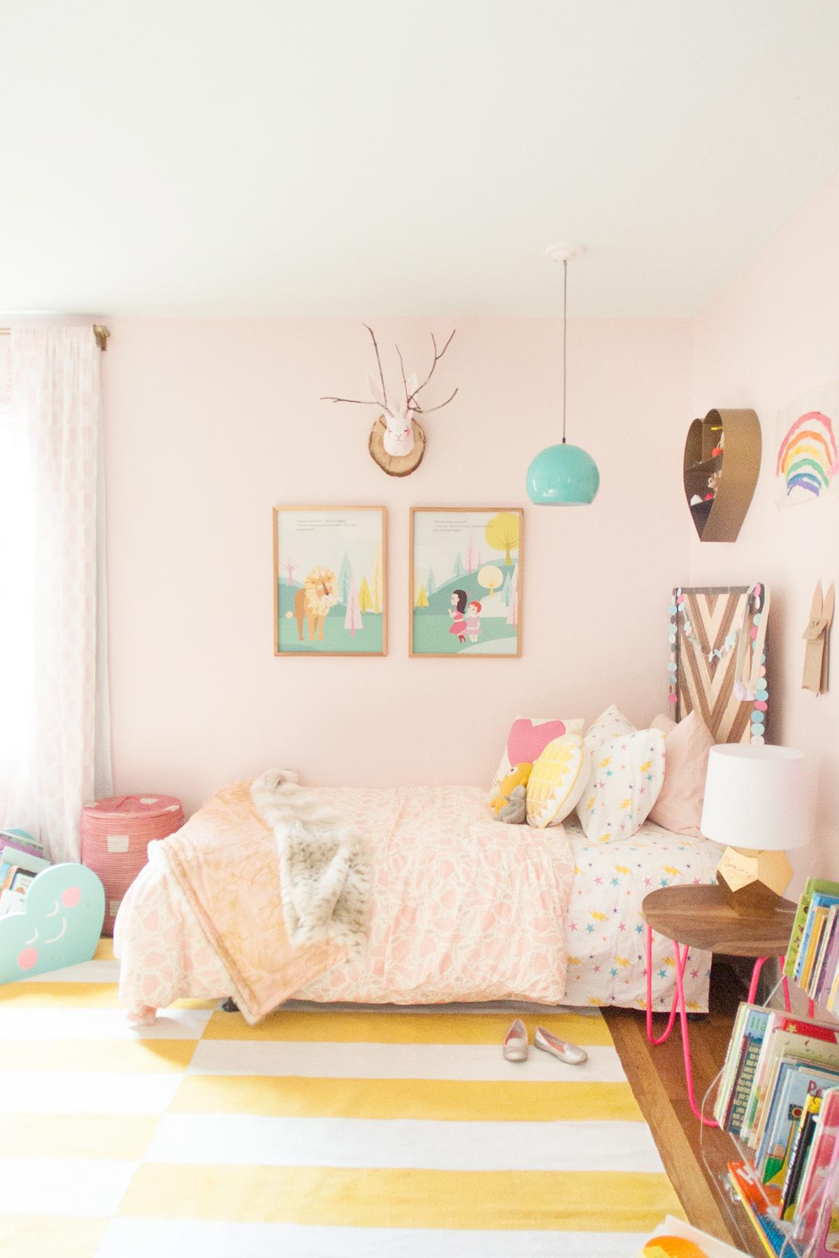 pink shared girls' room - Lay Baby Lay Lay Baby Lay on Room Girl  id=20020