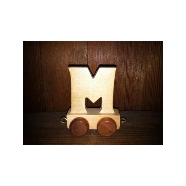 Lettre M du train, en bois