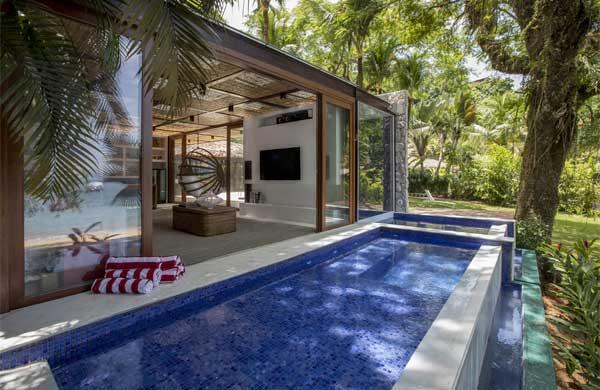 Edícula com piscina por Mauricio Nobrega