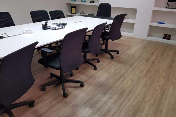 O piso pode tornar os escritórios mais aconchegantes