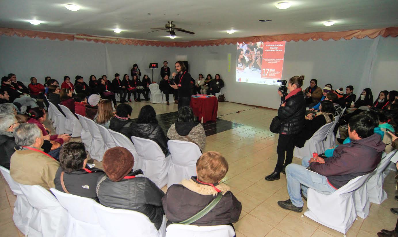 Jóvenes y líderes sociales crean iniciativas para prevenir emergencias sociales y naturales