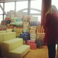 Maldăr de dulciuri și jucării în cutii - #shoebox 2013 (5)