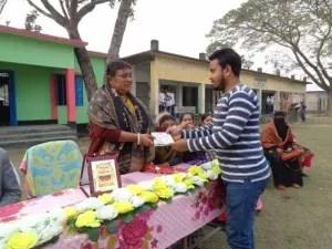 দিদিমনি'র বিদায়ে অশ্রুসিক্ত শিক্ষক-শিক্ষার্থী