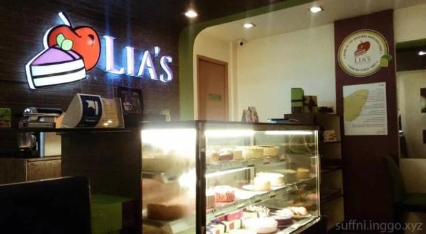 2016 08 Lias Cakes in Season